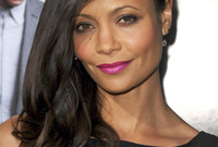 Trend-spotting-thandie-newton-in-fuchsia-lipstick-for-warm-skin-side